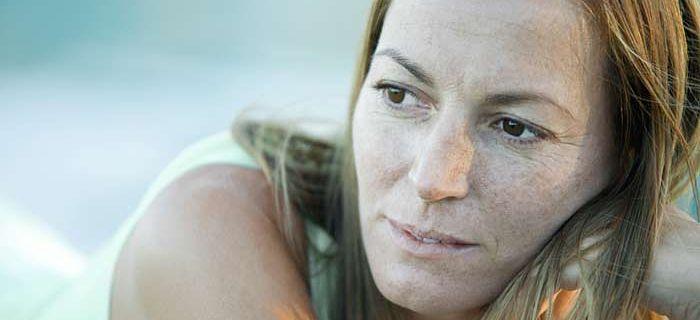 Nærbilde av ansiktet til kvinne