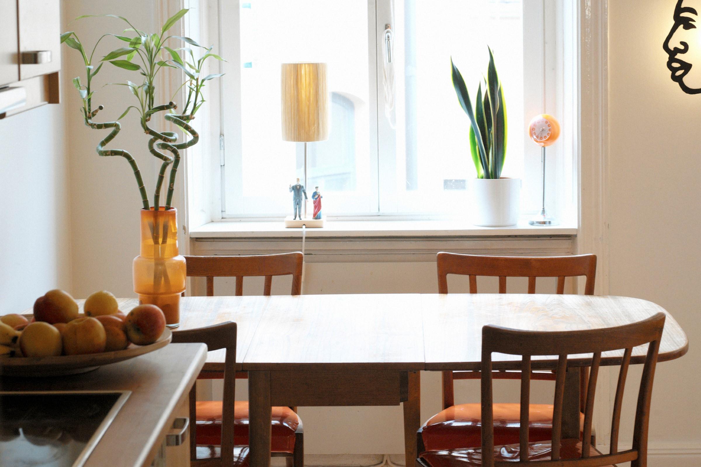 Avlastning kan tilbys i eget hjem eller i institusjon.
