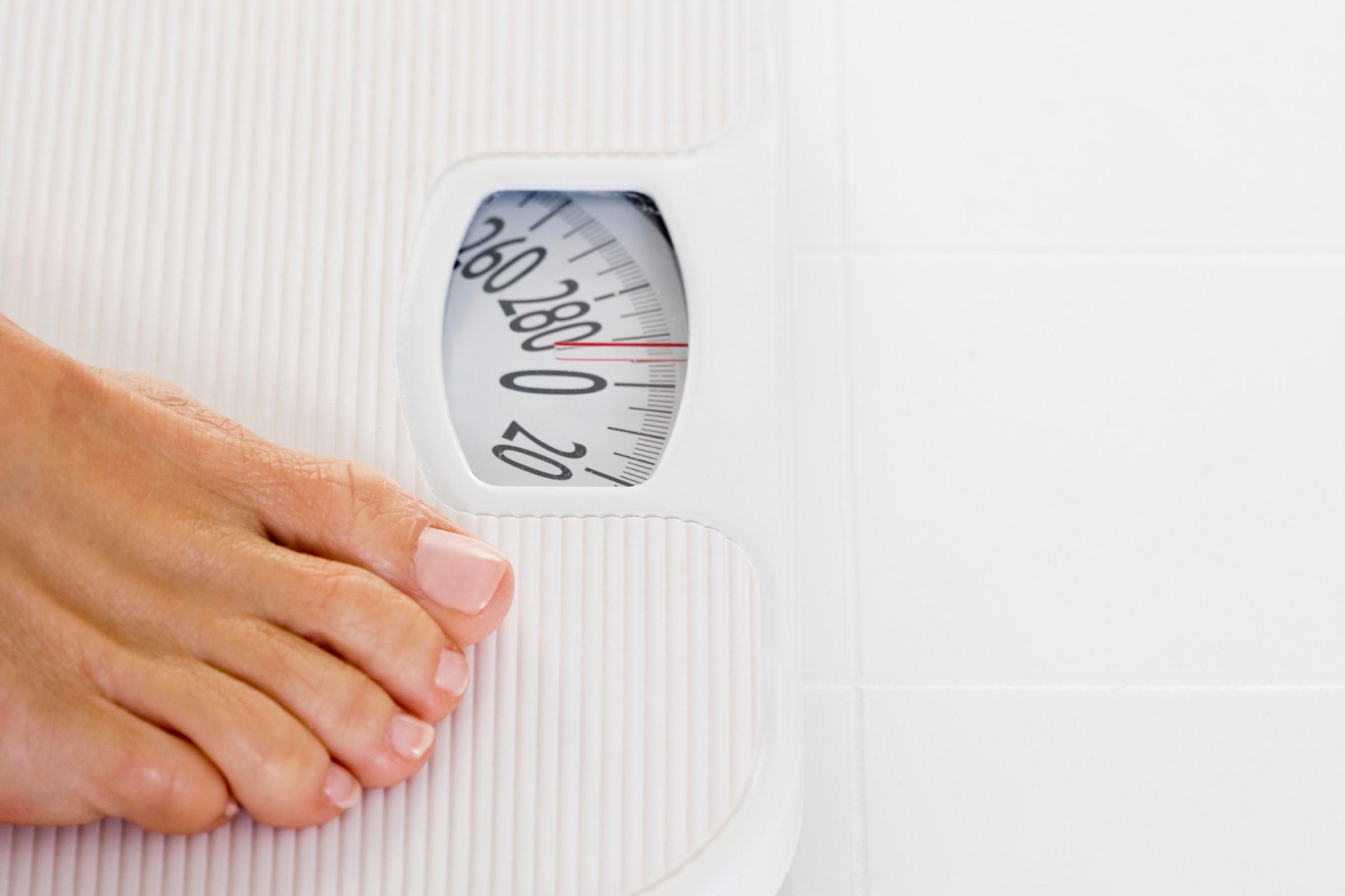 BMI er vekten i kilo delt på høyden i meter i annen.