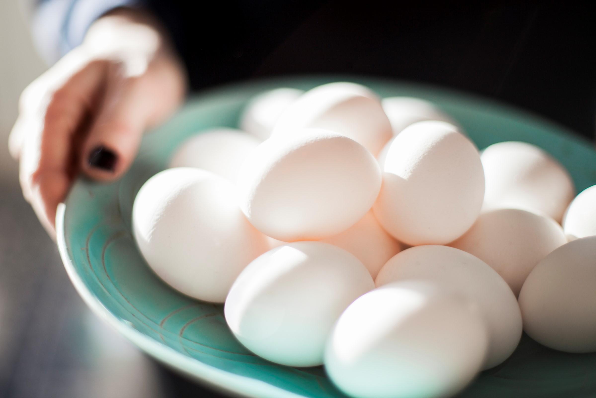 Å måtte utelate egg fra kostholdet, betyr at mange av våre vanligste matvarer og retter ikke kan spises.