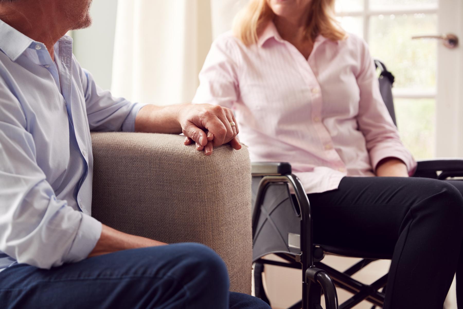 ALS er en sjelden sykdom som fører til muskelsvinn fordi nervecellene som sender signaler fra hjernen til musklene blir ødelagte