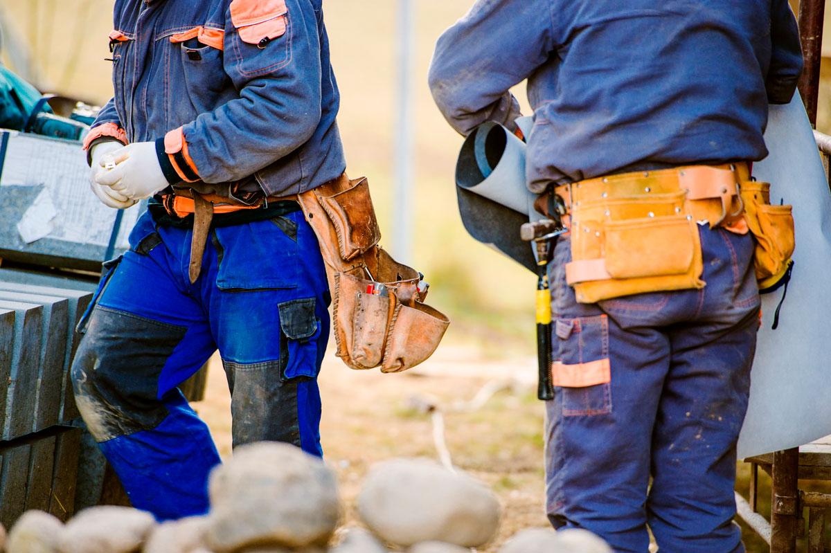 Byggeplass med arbeidere