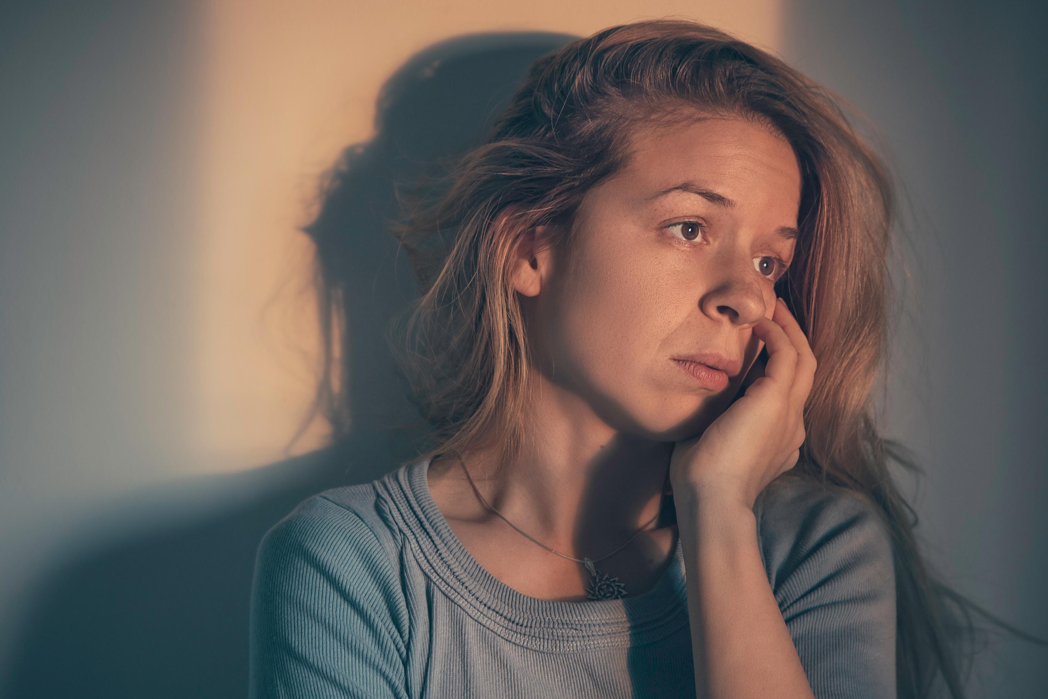Kvinne er deprimert etter fødsel